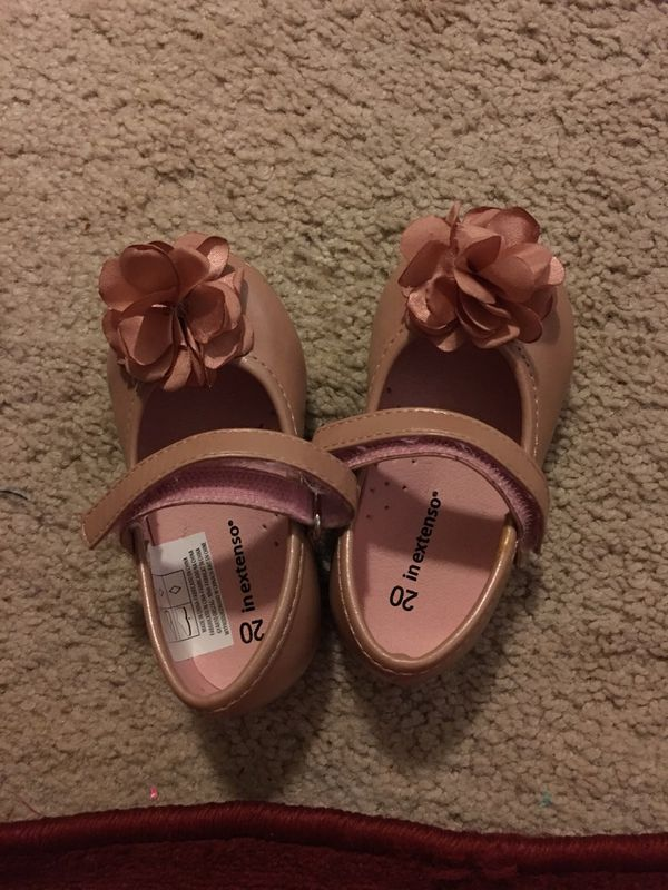 Baby shoes or toddler shoes size 4