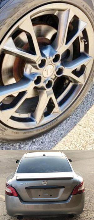 $1200 Nissan Maxima for Sale in Bardonia, NY