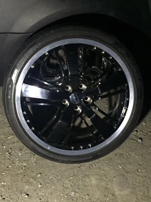 21 inch 5x120 wheels with a brand new set of tires !!!!! Performance tires included in sale price for Sale in Sumner, WA