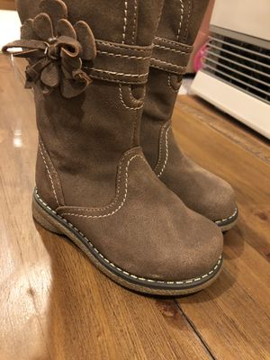 Girls boots size 7 for Sale in Londonderry, NH