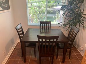 Kitchen Table & Chairs - Seats 4 for Sale in Glendale, CA