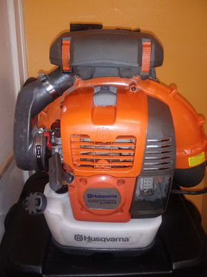 Hausquvan 570 bts backpack blower for Sale in Durham, NC