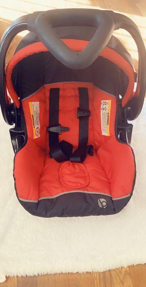 Newborn car seat for Sale in Toppenish, WA