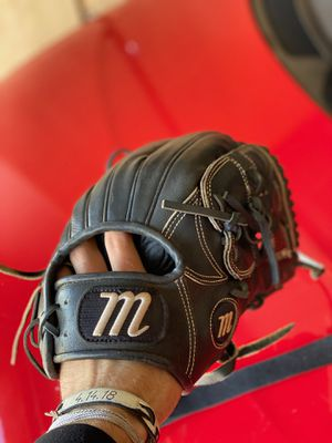 marucci baseball glove for Sale in Goodyear, AZ