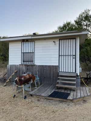 Hunting cabin for Sale in Hutto, TX