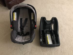 Graco Baby car seat and base for Sale in Waipahu, HI