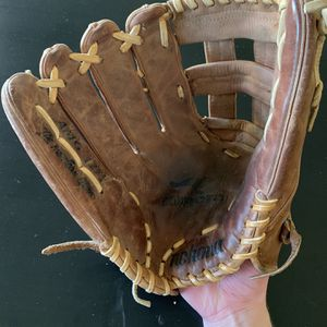 """Nokona Left Handed Outfield Mitt AMG 1275 12.75"""" for Sale in Tempe, AZ"""