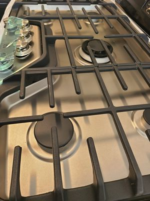 Electrolux 36 in gas cooktop with 5-burners new with 6 month's warranty for Sale in Mount Rainier, MD