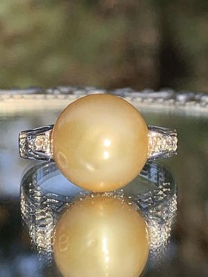 Large 12.5mm South Sea Pearl W/ White Topaz Diamond Accents for Sale in Sterling, VA