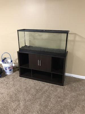 55 gallon fish tank, stand & accessories for Sale in Peoria, IL