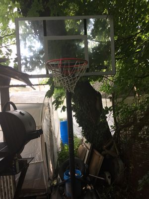 Black and gray basketball hoop just need cleaning $175 obo for Sale in Meriden, CT