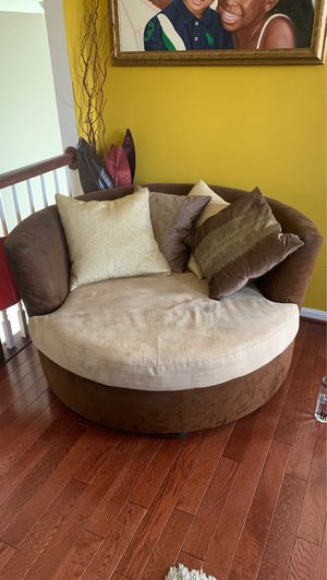 Swivel Chair for Sale in Brandywine, MD