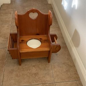 Wood Potty for Sale in Oakdale, CA