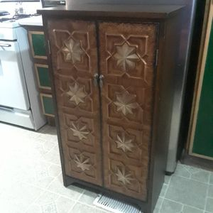 Beautiful 2 Shelf Cabinet / Towels / Can Food ( 12 Wx 23 Lx 41 Height ) 40. for Sale in Princeton, TX