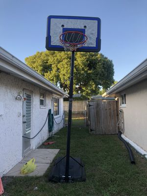 basketball hoop for Sale in New Port Richey, FL