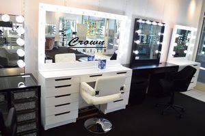 Hollywood Makeup Vanity for Sale in Grand Prairie, TX