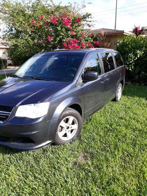 Dodge grand caravan for Sale in Pompano Beach, FL