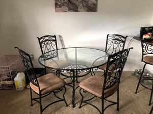 Ashley Furniture Dining Room table for Sale in Fort Lauderdale, FL