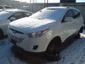 Selling Parts for a 2011 Hyundai Tucson for Sale in Warren, MI