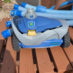 Zodiac MX6 Pool Cleaner for Sale in Mesquite, TX