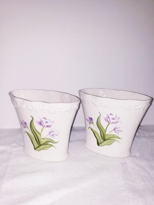 "Beautiful Set of 2 White Opaque FTD Oval Tulips Flower Matching 5"" H x 3.5"" D x 6.5"" W Vases for Sale in Jacksonville, FL"