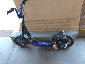 Pacific Cycles 37.7 cc 4 stroke lightning scooter runs perfectly for Sale in Alta Loma, CA