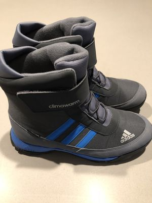 ADIDAS SNOW BOOTS 5 1/2 youth for Sale in Barrington, IL