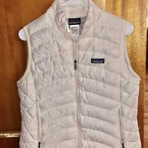 Woman's Patagonia's Puffer Vest Sz. M for Sale in Fresno, CA