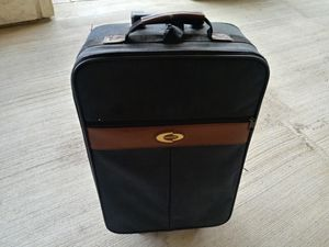 Roll Around Luggage With extended Handle And Wheels for Sale in Tyler, TX
