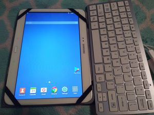 Samsung 10 in tablet for Sale in San Benito, TX