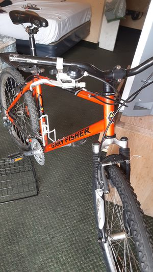 Gary Fisher 27 inch 21 speed mountain bike for Sale in Fresno, CA