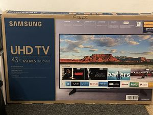 "43"" Samsung UHD TV 6 Series NU6900 for Sale in Ives Estates, FL"