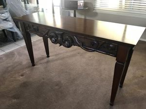 ACT NOW! Ethan Allen Carved Console Table for Sale in Tempe, AZ