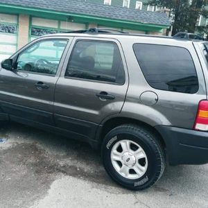 2006 Ford Escape Xlt for Sale in Waterbury, CT