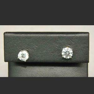 Diamond Studs 2.6ct Tw 18kt Setting for Sale in Miami, FL