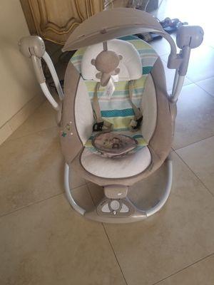 Infant swing/rocker for Sale in Las Vegas, NV