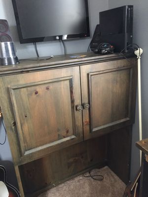 Desk and hutch (chair optional ) for Sale in San Diego, CA