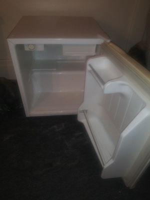 Mini refrigerator for Sale in Buffalo, NY