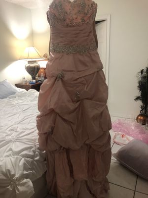 Quinciañera dress for Sale in Miramar, FL