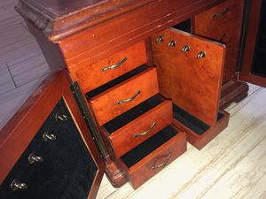 80s Antique Real Wood Jewelry Case for Sale in Fountain Valley, CA