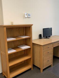301215 Oak Desk & Bookcase for Sale in Fullerton,  CA