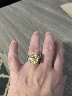 Amazing Engagement Wedding Ring! for Sale in Gig Harbor, WA