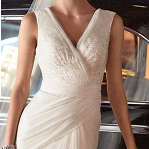 Galina signatures wedding dress size 10 and size 16 for Sale in Irvine, CA