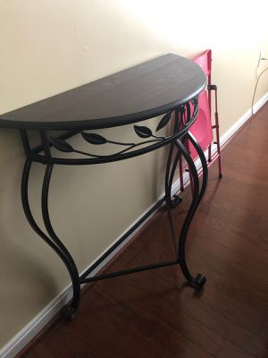 Chocolate brown console table for Sale in Camp Springs, MD