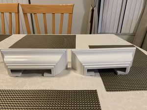 2 walls shelves for Sale in Pembroke Pines, FL