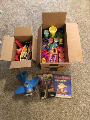 Play-doh and toy bundle - toddlers kids for Sale in Coral Springs, FL