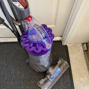Dyson vacuum for Sale in Friendswood, TX