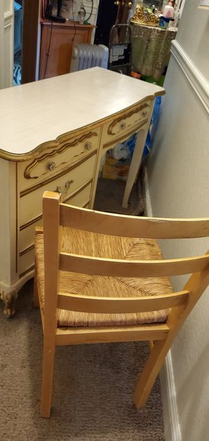 Dresser and chair for Sale in Everett, WA