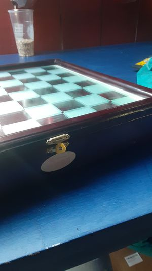 Collectible Glass In N Out chess set for Sale in Modesto, CA