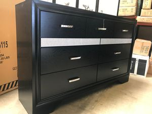 Coaster Miranda Dresser, Black for Sale in Garden Grove, CA